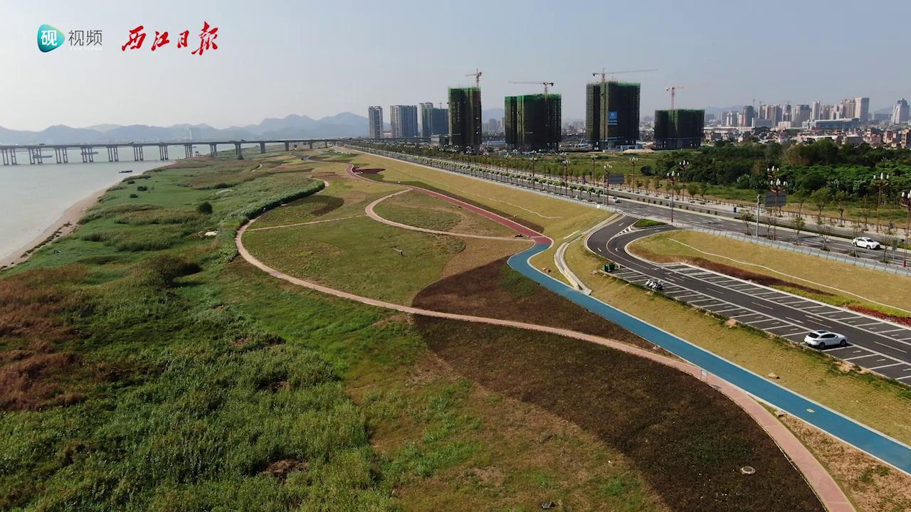 丽日蓝天,全长10公里的沿江风景线呈现眼前!